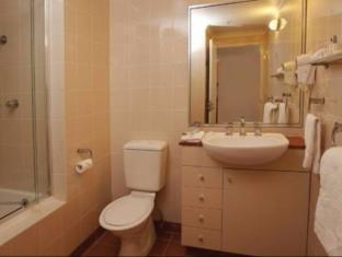 Medina Serviced Apartments Martin Place Sydney - Bathroom