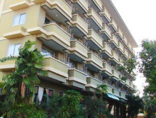 로얄 타이쿤 플레이스 호텔