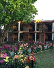 /chautari-garden-resort/hotel/chitwan-np.html?asq=5VS4rPxIcpCoBEKGzfKvtIGg5XkW84ajqwzdyn2lE7WonxreC2zombmcwObpXlW3O4X7LM%2fhMJowx7ZPqPly3A%3d%3d