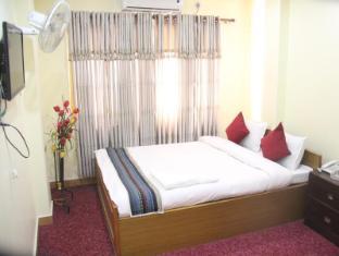 /hotel-august-mountain/hotel/kathmandu-np.html?asq=vrkGgIUsL%2bbahMd1T3QaFc8vtOD6pz9C2Mlrix6aGww%3d
