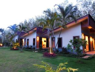 Phuket Sirinapha Resort