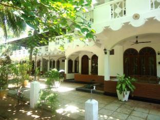 /it-it/palm-beach-resort/hotel/trincomalee-lk.html?asq=vrkGgIUsL%2bbahMd1T3QaFc8vtOD6pz9C2Mlrix6aGww%3d