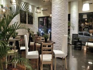 /pod-house-losari-makassar/hotel/makassar-id.html?asq=jGXBHFvRg5Z51Emf%2fbXG4w%3d%3d