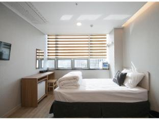 /es-es/k-guesthouse-dongdaemun-premium/hotel/seoul-kr.html?asq=jGXBHFvRg5Z51Emf%2fbXG4w%3d%3d