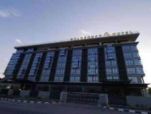 /goldenbay-hotel-bintulu/hotel/bintulu-my.html?asq=jGXBHFvRg5Z51Emf%2fbXG4w%3d%3d