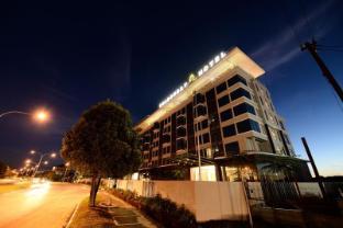 /goldenbay-hotel-bintulu/hotel/bintulu-my.html?asq=11zIMnQmAxBuesm0GTBQbQ%3d%3d