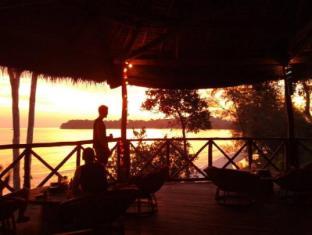 /monkey-maya/hotel/sihanoukville-kh.html?asq=vrkGgIUsL%2bbahMd1T3QaFc8vtOD6pz9C2Mlrix6aGww%3d