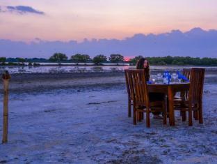 /it-it/palm-resort-nilaveli/hotel/trincomalee-lk.html?asq=vrkGgIUsL%2bbahMd1T3QaFc8vtOD6pz9C2Mlrix6aGww%3d