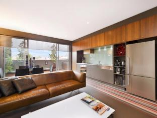 Funky Modern 1 Bed Apartment of Chapel St