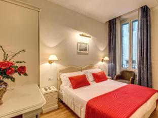 Flann Central Rome Guest House