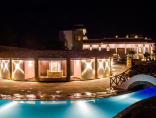 Riverarch Greenfields Resort