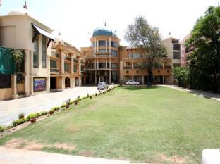 /grand-heritage-narmada-jacksons/hotel/jabalpur-in.html?asq=jGXBHFvRg5Z51Emf%2fbXG4w%3d%3d