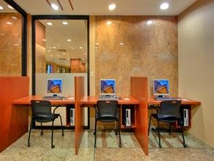 Crowne Plaza Hotel Toronto Airport Toronto (ON) - Business Center