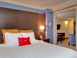 Crowne Plaza Hotel Toronto Airport Toronto (ON) - Deluxe Room