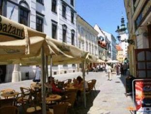 /ko-kr/old-city-hotel/hotel/bratislava-sk.html?asq=5VS4rPxIcpCoBEKGzfKvtE3U12NCtIguGg1udxEzJ7nKoSXSzqDre7DZrlmrznfMA1S2ZMphj6F1PaYRbYph8ZwRwxc6mmrXcYNM8lsQlbU%3d
