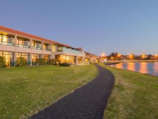 /sv-se/millennium-hotel-resort-manuels-taupo/hotel/taupo-nz.html?asq=vrkGgIUsL%2bbahMd1T3QaFc8vtOD6pz9C2Mlrix6aGww%3d