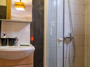 Hostal Oxum Madrid - Bathroom
