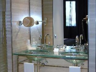 Hotel Maydrit Madrid - Bathroom