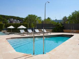 Hotel Maydrit Madrid - Swimming Pool