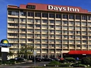 /days-inn-niagara-at-the-falls/hotel/niagara-falls-ny-us.html?asq=jGXBHFvRg5Z51Emf%2fbXG4w%3d%3d