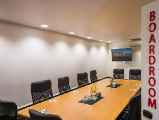 West Plaza Hotel Wellington - Meeting Room