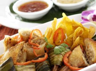 Avantika Boutique Hotel Patong Beach Phuket - Food and Beverages