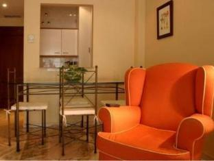 /sv-se/apartamentos-vertice-bib-rambla/hotel/seville-es.html?asq=vrkGgIUsL%2bbahMd1T3QaFc8vtOD6pz9C2Mlrix6aGww%3d