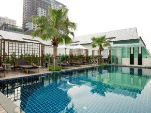 Sunshine Hotel & Residences Pattaya - Swimming Pool