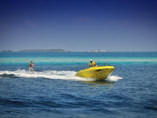 Bandos Maldives Maldives Islands - Water Skiing