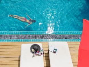 Eriyadu Island Resort Maldives Islands - Swimming Pool