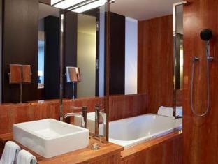 InterContinental Geneva Hotel Geneva - Bathroom