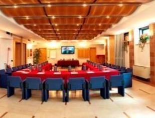 /hu-hu/hotel-royal-falcone/hotel/monza-it.html?asq=jGXBHFvRg5Z51Emf%2fbXG4w%3d%3d