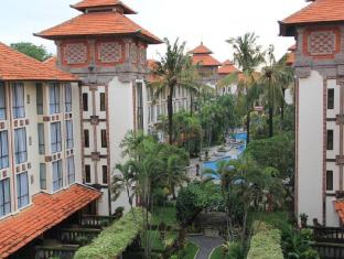 โรงแรมซานูร์ พาราไดซ์ พลาซ่า บาหลี - ภายนอกโรงแรม