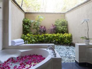 โรงแรมซานูร์ พาราไดซ์ พลาซ่า บาหลี - ห้องน้ำ
