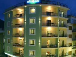 /fi-fi/hotel-tourist/hotel/sorrento-it.html?asq=jGXBHFvRg5Z51Emf%2fbXG4w%3d%3d