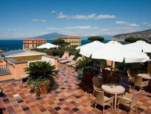 /uk-ua/hotel-palazzo-guardati/hotel/sorrento-it.html?asq=jGXBHFvRg5Z51Emf%2fbXG4w%3d%3d