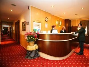 /fr-fr/hotel-cristallo-torino/hotel/turin-it.html?asq=vrkGgIUsL%2bbahMd1T3QaFc8vtOD6pz9C2Mlrix6aGww%3d