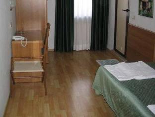 /albergo-ristorante-sonia/hotel/trieste-it.html?asq=jGXBHFvRg5Z51Emf%2fbXG4w%3d%3d