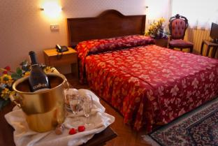 /fi-fi/hotel-florida/hotel/venice-it.html?asq=vrkGgIUsL%2bbahMd1T3QaFc8vtOD6pz9C2Mlrix6aGww%3d