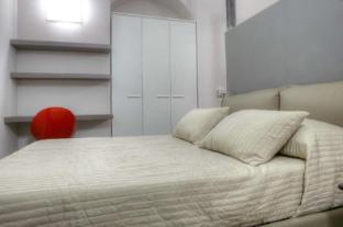 /stylish-apartment-in-central-turin-b/hotel/turin-it.html?asq=vrkGgIUsL%2bbahMd1T3QaFc8vtOD6pz9C2Mlrix6aGww%3d