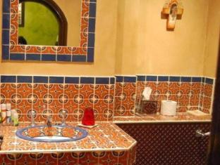 Church Street Hotel London - Bathroom