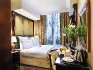 Nadstandardna soba s francosko posteljo