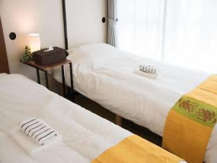 TW40. Shinjuku cozy apartment close to station