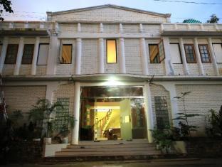 /golden-rose-guest-house/hotel/bagan-mm.html?asq=jGXBHFvRg5Z51Emf%2fbXG4w%3d%3d
