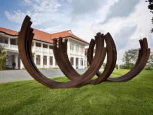 Capella Singapore Hotel Singapore - Capella Singapore - Venet Sculpture
