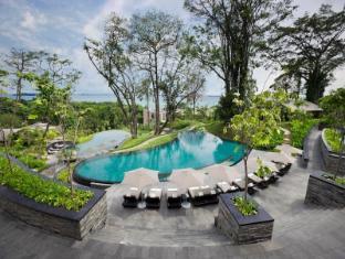 Capella Singapore Hotel Singapore - Cascading Pool