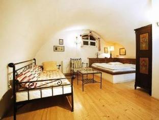 /hu-hu/hotel-leonardo/hotel/cesky-krumlov-cz.html?asq=vrkGgIUsL%2bbahMd1T3QaFc8vtOD6pz9C2Mlrix6aGww%3d