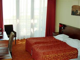 Hotel Silverine Lake Resort **** superior Balatonfured - Room- view to the lake