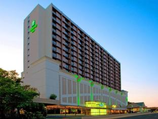 /holiday-inn-national-airport-crystal-city/hotel/arlington-va-us.html?asq=jGXBHFvRg5Z51Emf%2fbXG4w%3d%3d