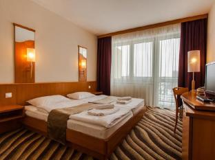 /fi-fi/premium-hotel-panorama-siofok/hotel/siofok-hu.html?asq=vrkGgIUsL%2bbahMd1T3QaFc8vtOD6pz9C2Mlrix6aGww%3d